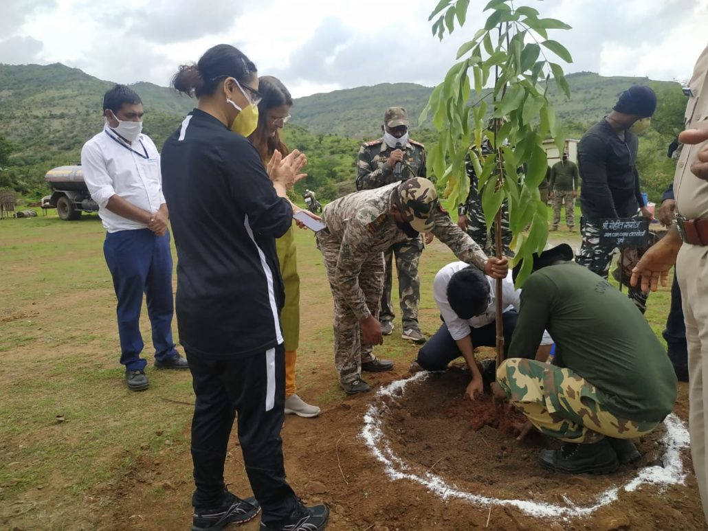 Tree plantation by  SRPF and TERRE Policy Centre on WRD 2020
